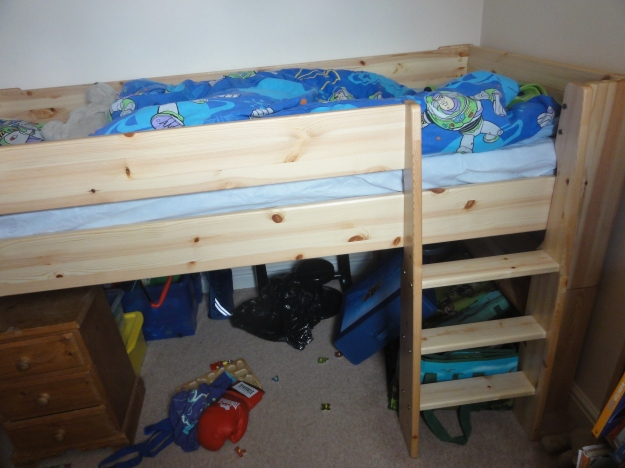 Yes, I made this bed. It came in kit form.....